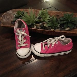 Converse Kids Hot Pink Shoes, size 10